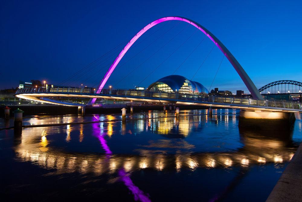 Cầu Gateshead Millennium - niềm tự hào mới của người dân Anh -
