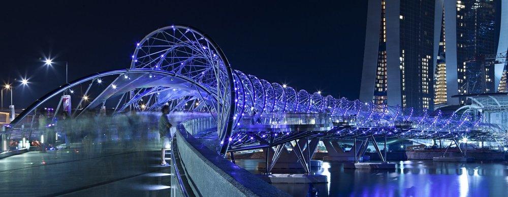 Những cây cầu như bản hòa tấu ánh sáng -