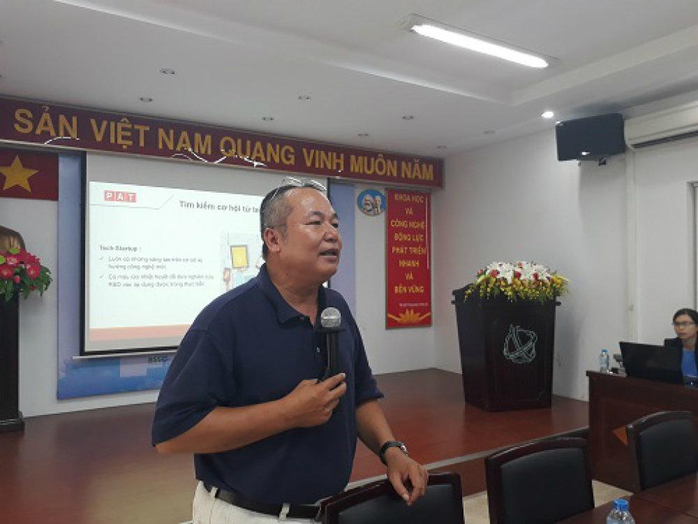 Ông Phí Anh Tuấn cho rằng, ứng dụng công nghệ là việc làm đầu tiên mà doanh nghiệp cần làm để nâng cao năng suất hoạt động. Ảnh: Hà Thế An.