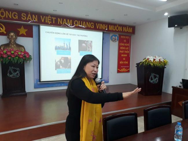 Bà Nguyễn Phi Vân cho rằng, doanh nghiệp SME và startup cần phải có cái nhìn dài hạn thị trường mang tầm quốc tế ngay từ những bước đi đầu tiên. Ảnh: Hà Thế An.