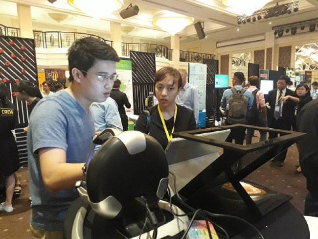 Sản phẩm robot mô phỏng thực tế của một dự án khởi nghiệp. Ảnh: Hà Thế An.