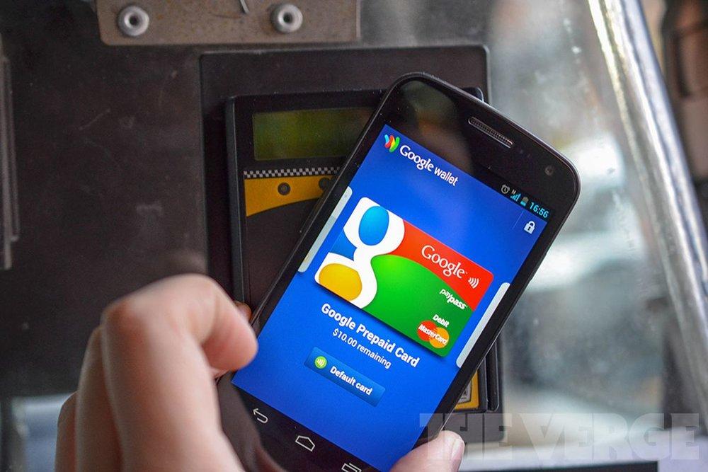 Google Wallet - Ra mắt tại Mỹ vào tháng 9/2011, Google đã đi trước một năm so với các ông lớn công nghệ khác là Microsoft, Apple trong lĩnh vực ví điện tử.