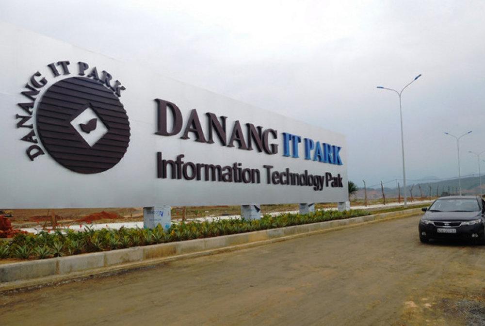 Sau 4 tháng thi công, Trung Nam đã san nền xong và đang hoàn thiện hạ tầng Danang IT Park