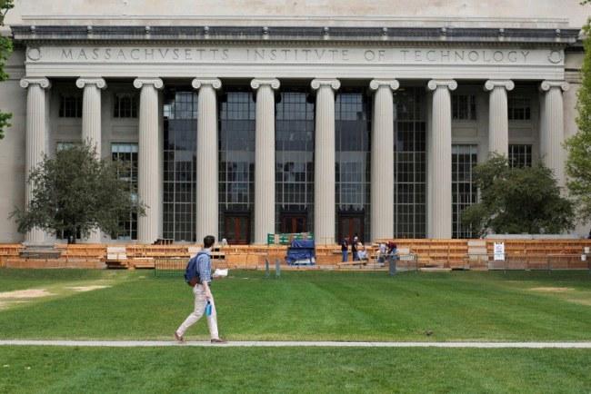 Boston – Mỹ - Tự hào với nhiều trường đại học danh giá dẫn đầu bảng xếp hạng các trường đại học thế giới năm 2018 như MIT, Harvard.