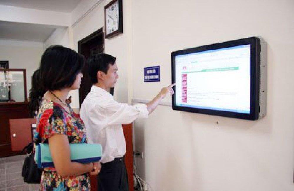 Hà Nội đặt mục tiêu hết năm 2017 tỷ lệ dịch vụ công trực tuyến đạt 55%. Ảnh: Internet