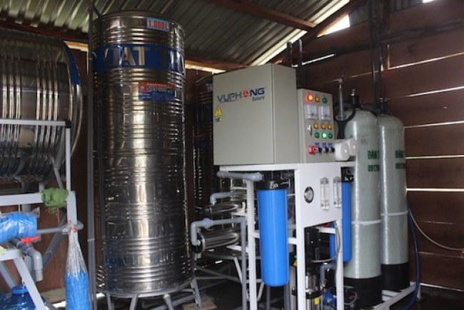 Hệ thống điện mặt trời và lọc nước mới được lắp đặt tại thôn Ea Rớt.