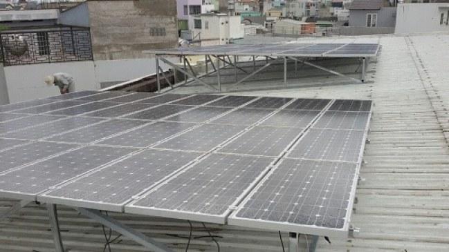 TP.HCM thực hiện thí điểm triển khai điện mặt trời lắp mái tại một số địa điểm.
