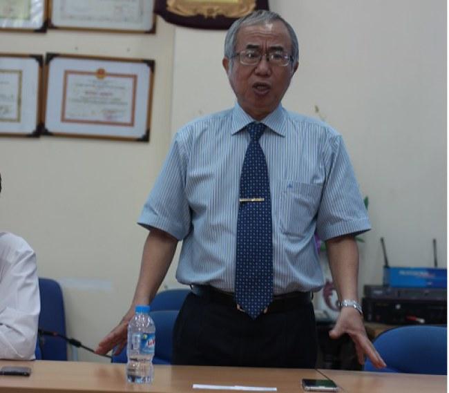 GS.TS Lê Chí Hiêp phát biểu tại một hội thảo về điện mặt trời. Ảnh: NVCC.