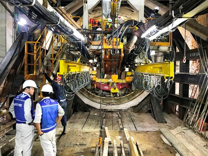Hai đường hầm metro được thiết kế để phục vụ tàu metro tuyến số 1 Bến Thành – Suối Tiên. Mỗi đường phục vụ một chiều đi và về trung tâm thành phố.