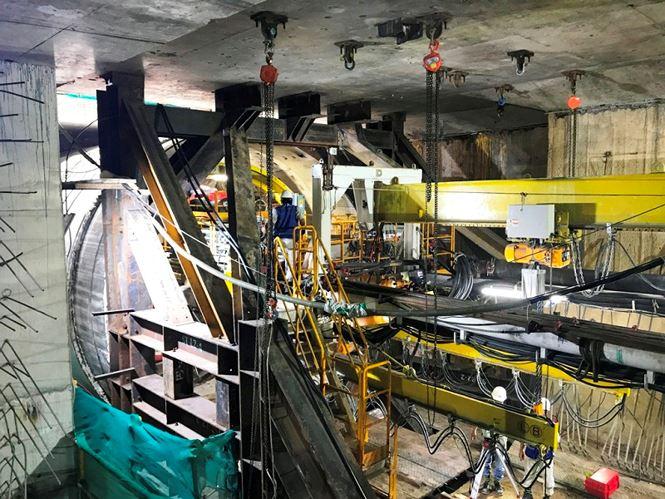Dự án tuyến metro số 1 Bến Thành - Suối Tiên có tổng vốn đầu tư 2,49 tỉ USD (khoảng 47.325 tỉ đồng) được khởi công vào tháng 8/2012 có chiều dài 19,7km.