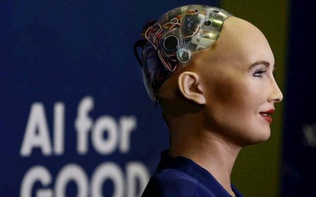 Robot Sophia - Robot đầu tiên trên thế giới có quyền công dân.