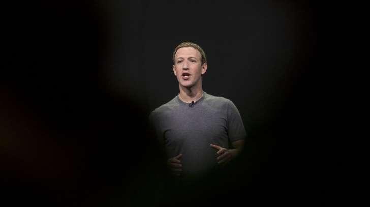 Bóng đêm vẫn chưa thôi bao phủ Facebook