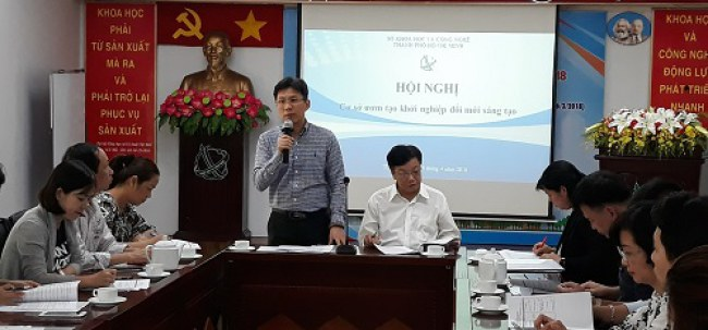 Ông Nguyễn Việt Dũng cho rằng thiếu đầu mối thông tin tập trung dẫn đến dù TP.HCM có nhiều hoạt động hỗ trợ khởi nghiệp, ĐMST nhưng nhiều người vẫn chưa biết