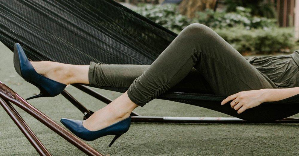 - Đây là một mẫu giày vừa đảm bảo tính thời trang, vừa tiện lợi, linh hoạt và thiết thực cho phụ nữ hiện đại.