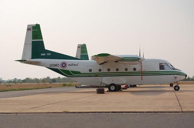 Trực thăng tạo mưa của Hoàng gia Thái Lan - Ảnh: Alec Wilson