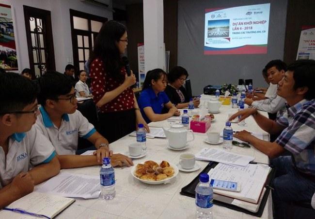 Giảng viên, sinh viên các trường đại học trao đổi xoay quanh các dự án khởi nghiệp