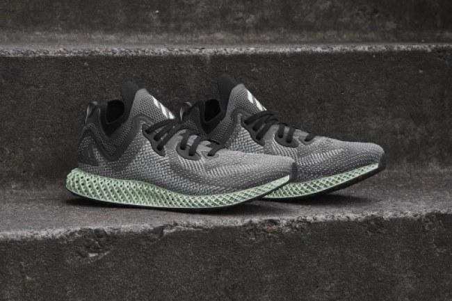 Sử dụng công nghệ Digital Light Synthesis, mẫu giày mới của Adidas không chỉ nhẹ mà còn đem lại cảm giác thoải mái nhất cho người mang. Ảnh: Adidas.