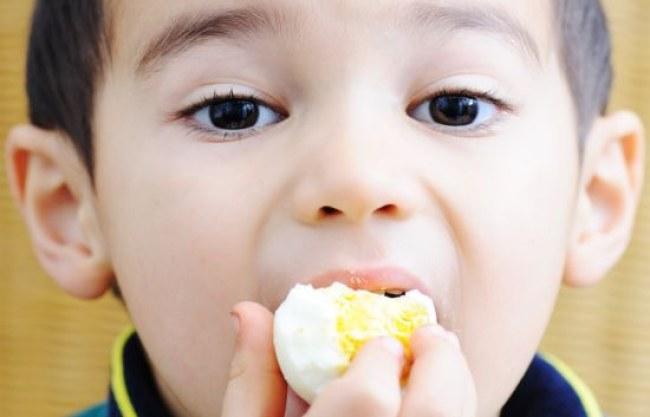 Một nghiên cứu mới vừa được thực hiện trên hơn 500.000 người, cho thấy người ăn trứng thường xuyên sẽ giảm được nguy cơ mắc các bệnh về tim mạnh. Ảnh: TheHealthSite.com.
