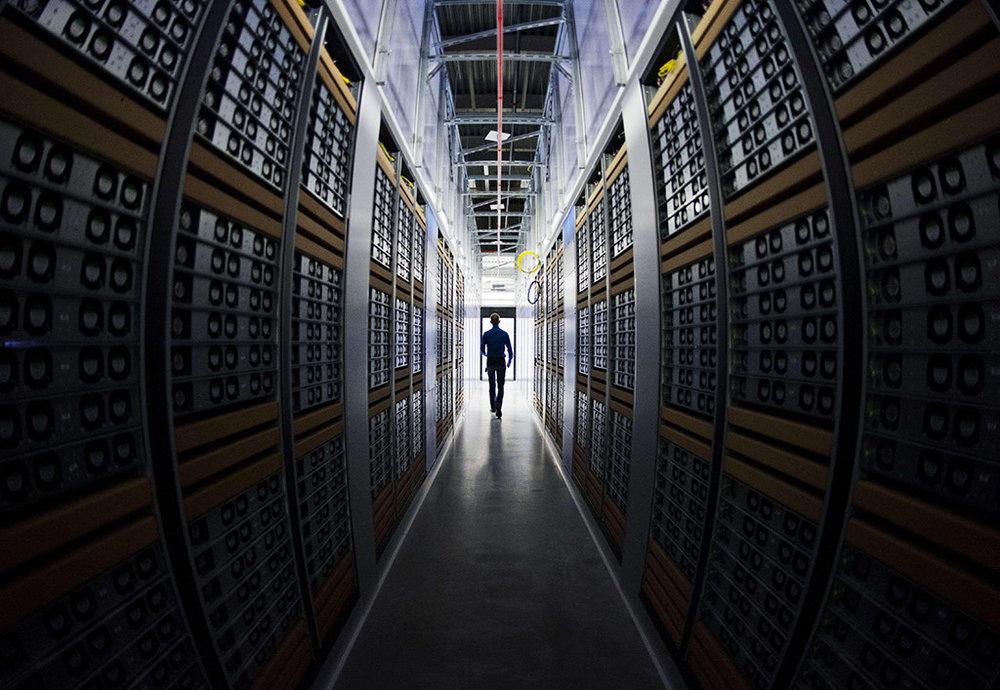 2. Các công ty như Google, Facebook phải đặt máy chủ tại Việt Nam -