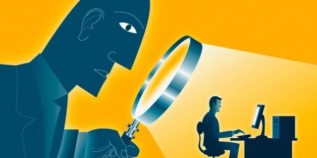 """6. Luật an ninh mạng Việt Nam yêu cầu """"Cung cấp toàn bộ thông tin người dùng cho nhà nước, kể cả tin nhắn cá nhân, riêng tư...."""" -"""