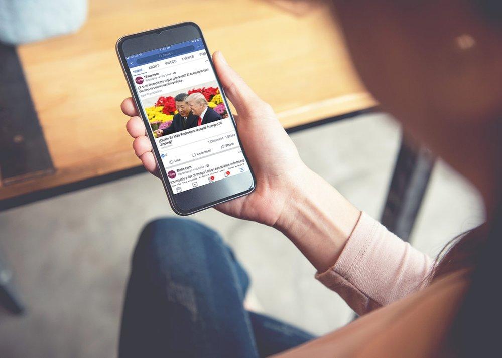 - Theo Pew Research Center, 60% người Mỹ đọc thông tin qua mạng xã hội. Và theo một nghiên cứu khác, 88% thành niên từ 18 - 34 tuổi thường xuyên đọc tin tức qua Facebook.