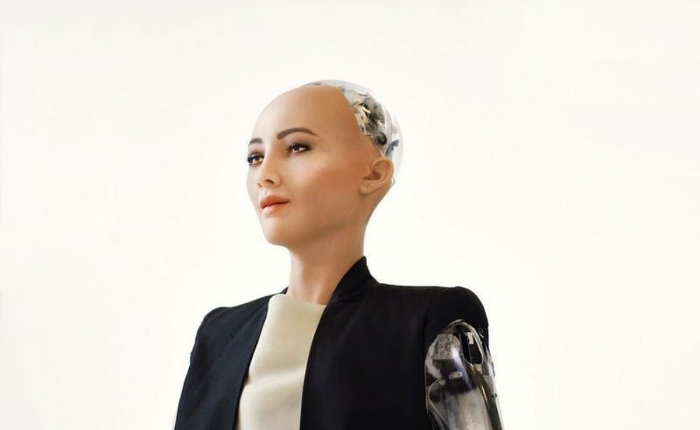 """Robot Sophia từng khiến cả thế giới """"bấn loạn"""" vì được trao quyền công dân vào cuối năm 2017."""