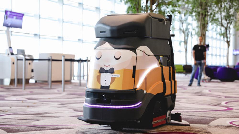 Robot lau sàn được thiết kế như một nhân viên lịch sự làm việc ở sân bay