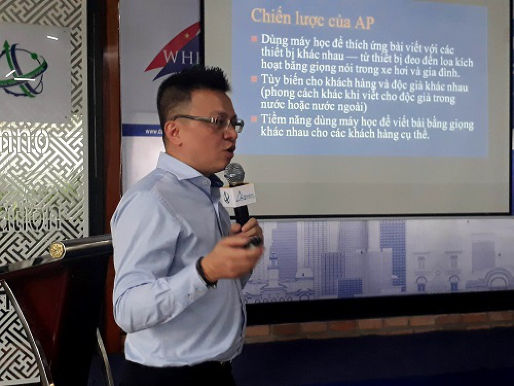Ông Lê Quốc Minh, Phó Tổng giám đốc Thông tấn xã Việt Nam tại Hội thảo. Đây là sự kiện đầu tiên của Tuần lễ khởi nghiệp đổi mới sáng tạo TP.HCM (WHISE) năm 2018. Ảnh: Hà Thế An.