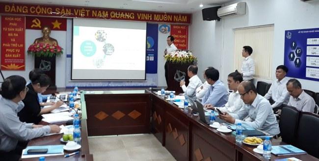 TS Hà Việt Uyên Synh trình bày giải pháp giám sát thông minh do nhóm nghiên cứu của ĐH Quốc Tế - ĐH Quốc gia TP.HCM nghiên cứu phát triển