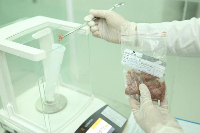 Nhiều phương pháp phân tích, kiểm nghiệm mới đang được sử dụng ngày càng rộng rãi trong ngành thực phẩm
