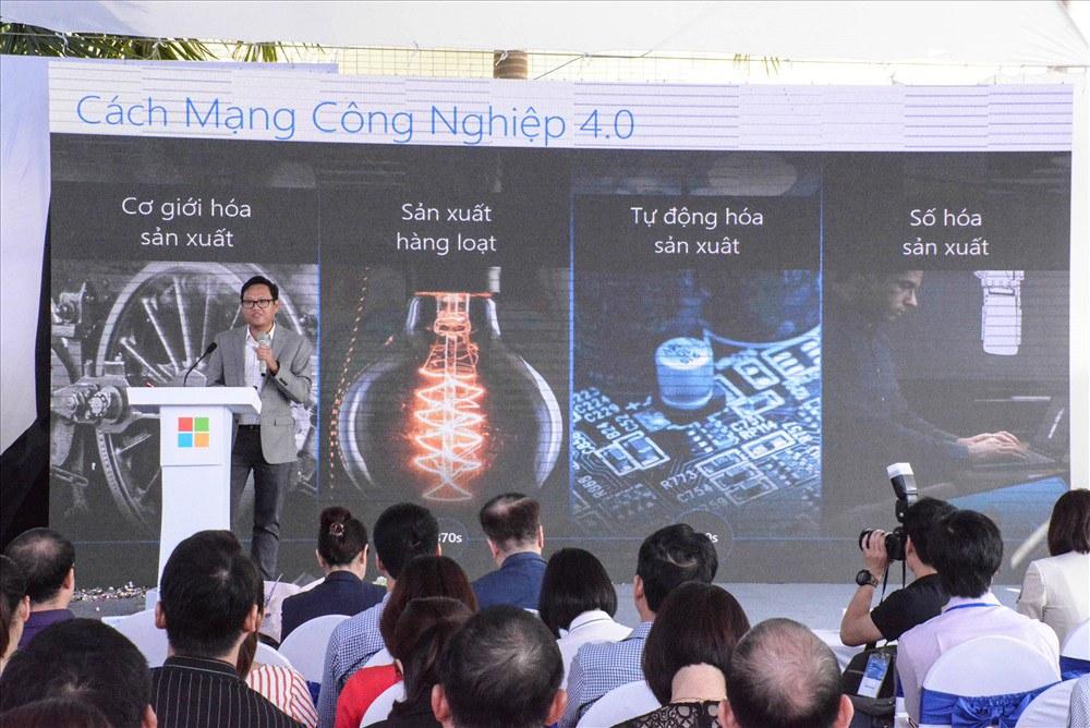 Microsoft Việt Nam, Công ty Cổ phần Công nghệ viễn thông Sài Gòn (SAIGONTEL) và Tech Data công bố Hợp tác chiến lược.