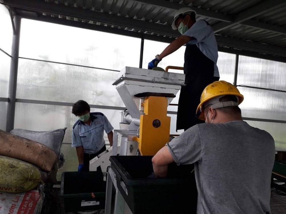 Công đoạn carbon hóa của quy trình xử lý rác 6R-MOT được Nhật Bản chuyển giao và thực hiện thí điểm tại TP.HCM. Ảnh: SIHUB.