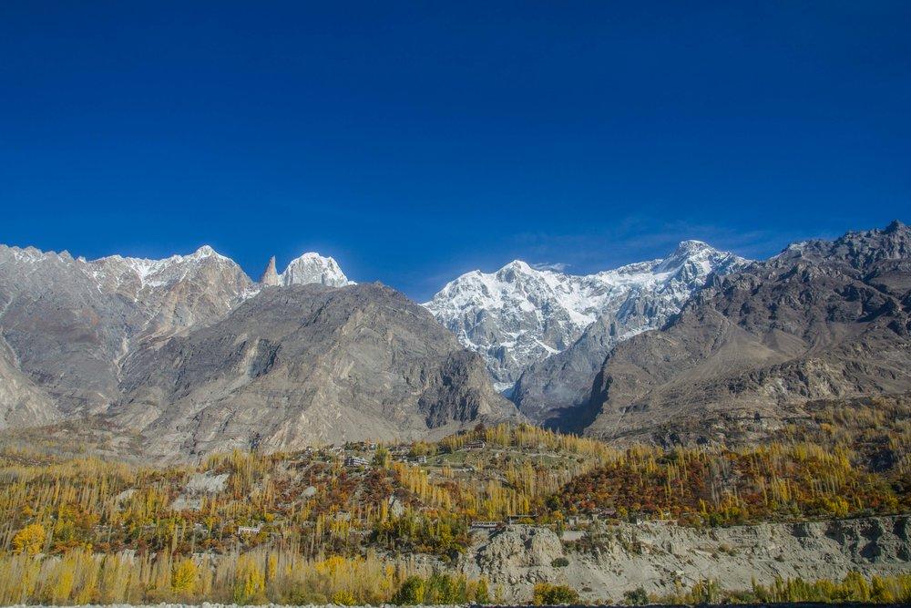 Hunza Valley được mệnh danh là thiên đường hạ giới vào mùa thu và mùa xuân