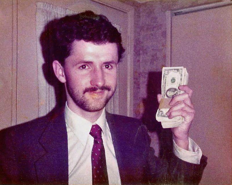 Năm 1980 ở Las Vegas, Benter đã kiếm được 80.000 USD một năm