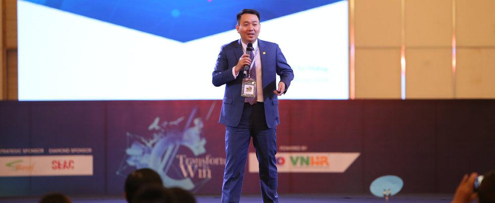Lê Trí Thông - phó chủ tịch Hội đồng quản trị kiêm tổng giám đốc PNJ