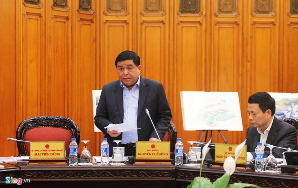 Bộ trưởng KH&ĐT Nguyễn Chí Dũng báo cáo việc thành lập Trung tâm đổi mới sáng tạo quốc gia. Ảnh: Hiếu Công.