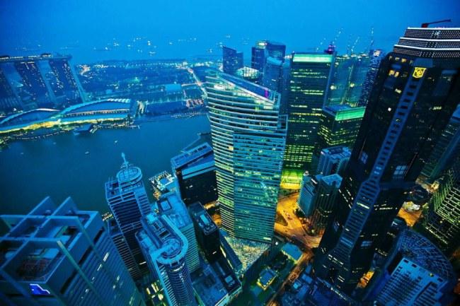 Tất cả dịch vụ công quyền ở Singapore đều được để mở giúp người dân có thể đăng ký dễ dàng và tiện lợi theo dõi tiến trình thụ lý hồ sơ. Ảnh: Wall Street Journal.
