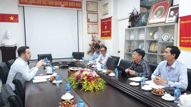 Trước đó, ông Nguyễn Việt Dũng và ông Doron Lebovich, Phó Đại sứ Israel tại Việt Nam đã trao đổi về kế hoạch hợp tác giữa TP.HCM với Cơ quan Đổi mới Sáng tạo Israel (IIA)