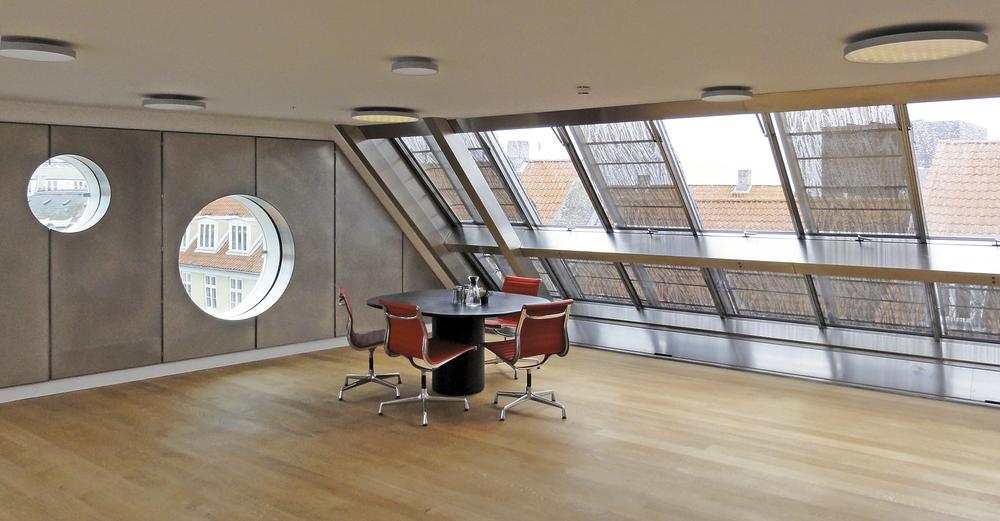 42. Interior_5.floor.png
