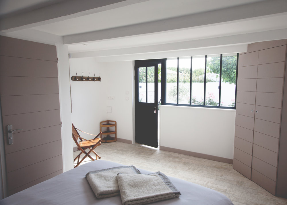 lesajoncs-maisondhotes-chambre-lolivier-ambiance.jpg