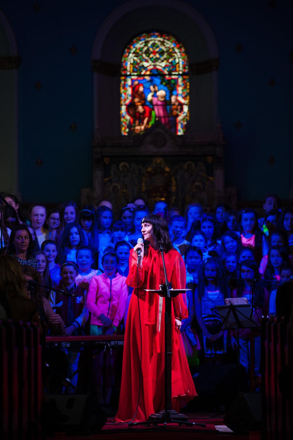 Nina_Hynes_and_choir-Evolving_our_Past-_Rites_of_Passage-_Eoin_Kirwan_photo.jpg