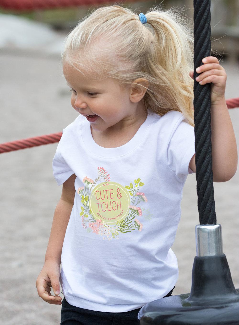 Härlig barn t-shirt för tuffa tjejer.