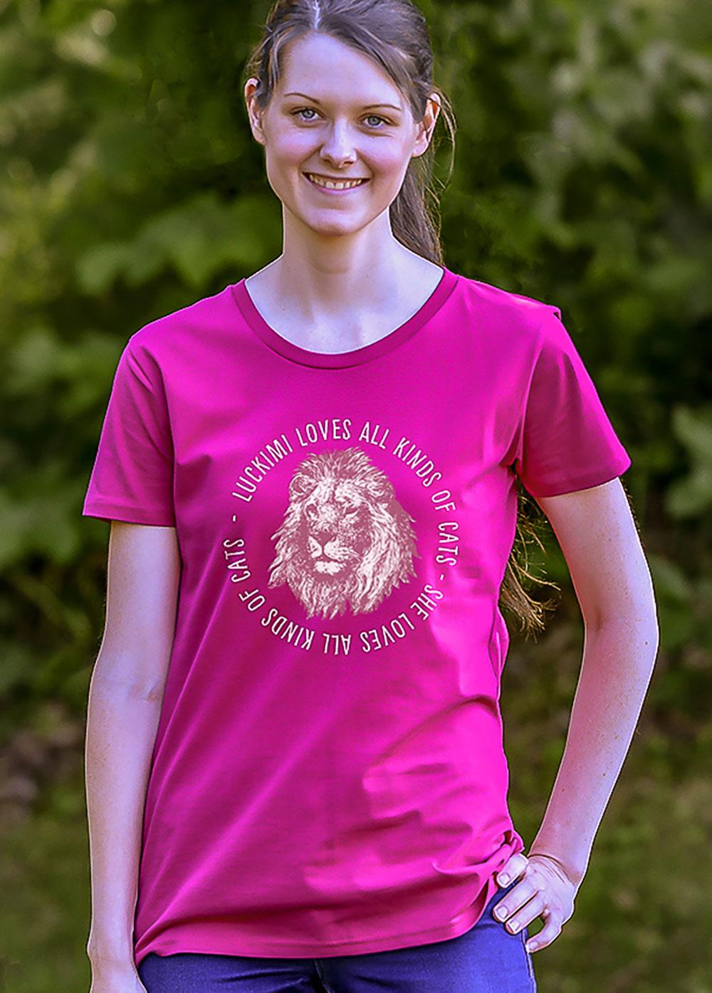 T-shirt för dam t-shirt. Tryck av lejon. Luckimi @luckimibrand