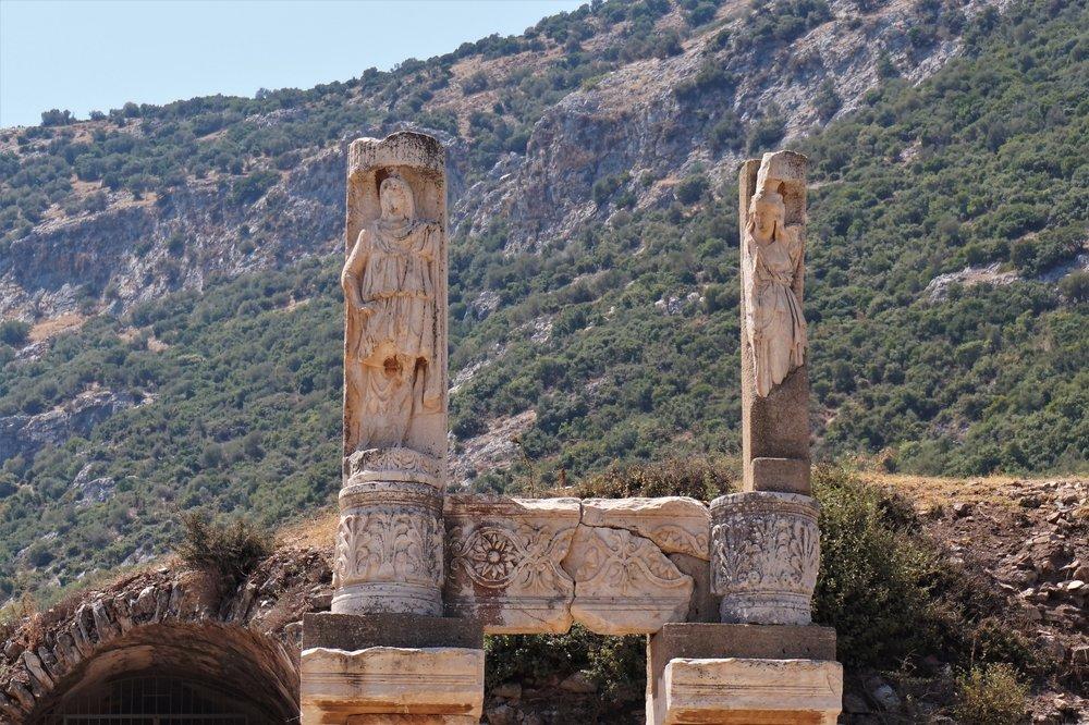 Ephesus-Kusadasi-Izmir-Turkey-2017.JPG