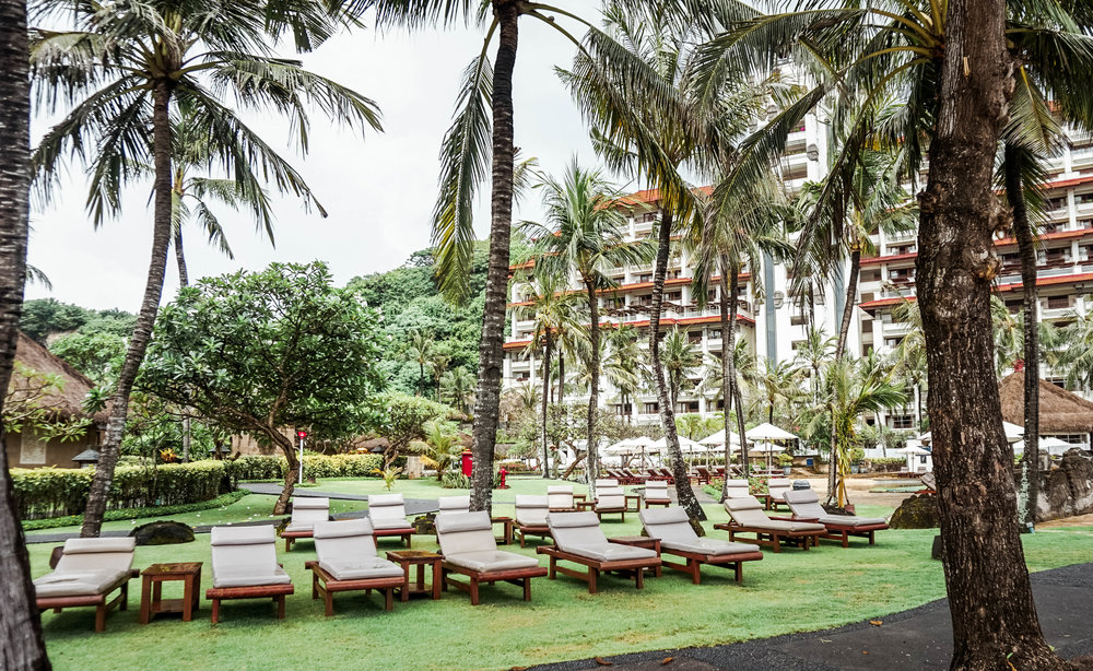 Hilton-bali-resort-grounds.jpg