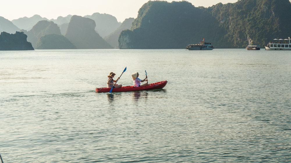 ha-long-bay-kayak-2018.jpg