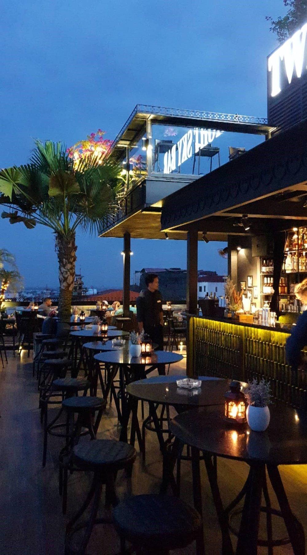 twilight-sky-bar-hanoi-vietnam-2019.jpg