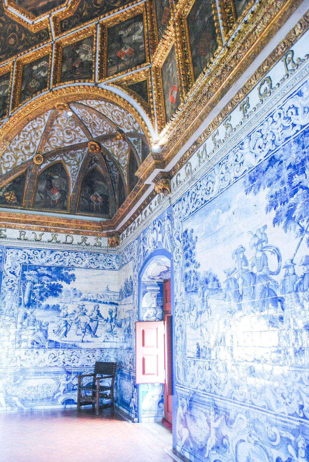 Palácio Nacional Sintra / National Palace of Sintra — Visiting Lisbon, Portugal? A Sintra day trip is a must! Read this guide on how to get to Sintra and what to do when you're there.