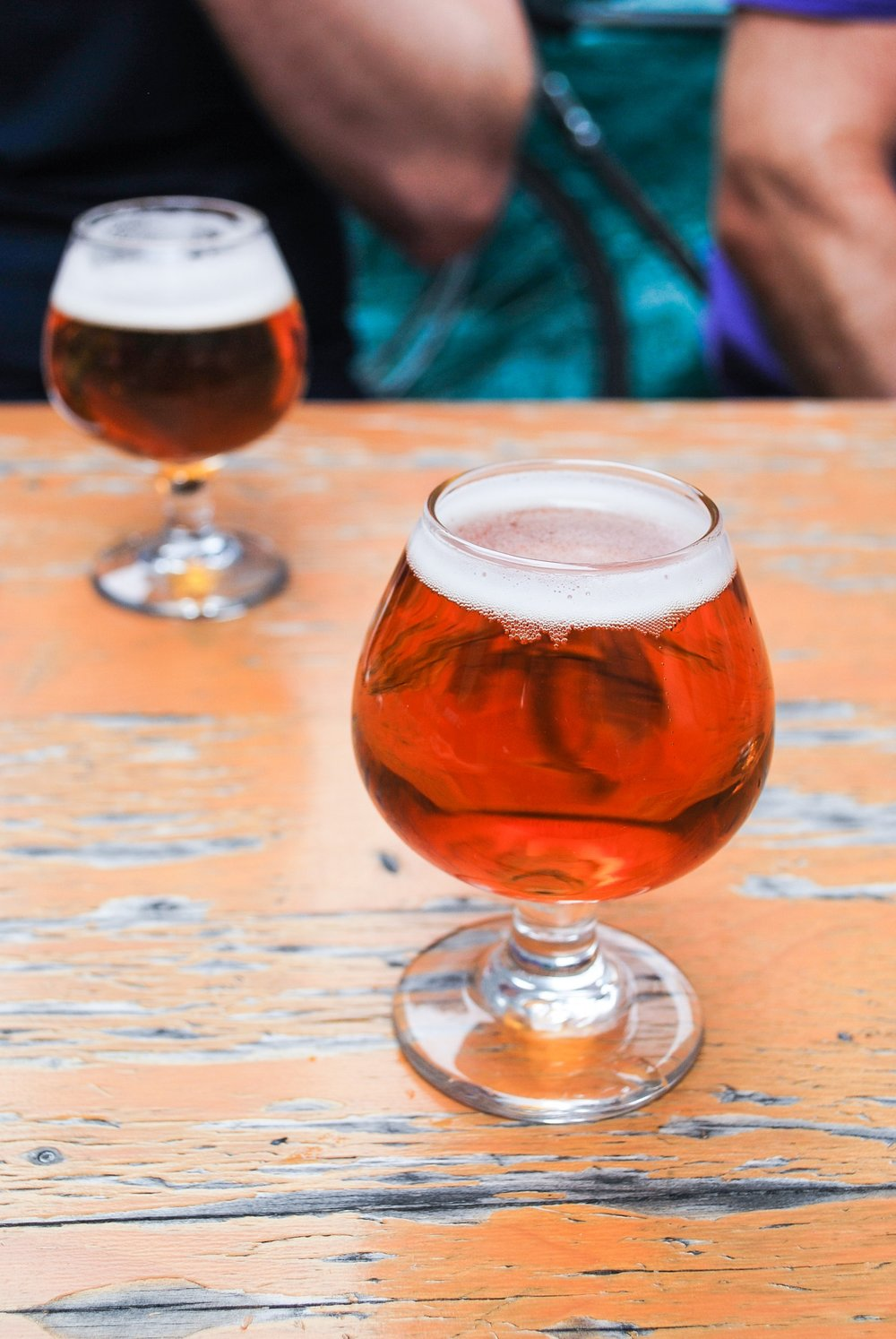 Are you a craft beer lover or looking to learn more about craft beer? Take a beer tour with Urban Adventures in NYC and explore the craft scene in Williamsburg!