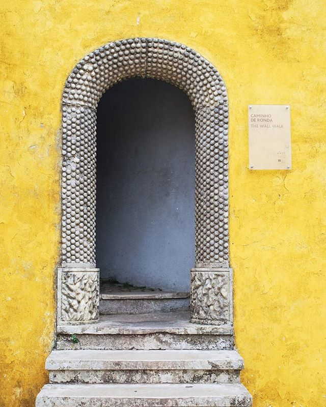 Loved finding this doorway at Pena Palace! 💛💛💛